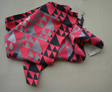 NWT BURBERRY $195 GEOMETRIC SUPER EXPLODED SILK SQUARE NECK SCARF MADE IN ITALY