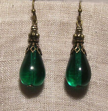BRASS FILIGREE EMERALD GREEN GLASS TEAR DROP EARRINGS RENAISSANCE VICTORIAN GOLD