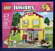 New - FAMILY HOUSE - Lego Juniors 10686 - EASY TO BUILD Kitchen LIVING ROOM