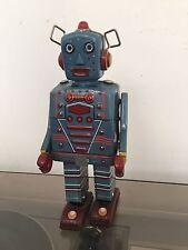 Jouet Ancien Robot En Fer Tôle Mécanique