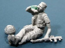 Accurate Armour 1:35 UK Infantryman at Rest 3 Drinking Water F22*
