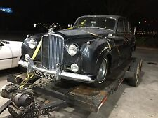 BARN FIND RUNNING BENTLEY! PARTING OUT COMPETE CAR. HUBCAP AUCTION, ROLLS ROYCE