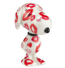 New DEPARTMENT DEPT 56 Figurine PEANUTS SNOOPY Dog Statue PUPPY LOVE KISS LIPS