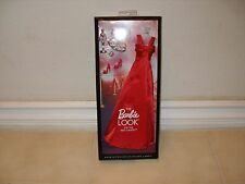 """2012 The Barbie Look """"ON THE RED CARPET"""" Fashion and Accessory Pack DDB82"""