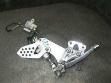06 Suzuki GSXR GSX-R 750 Right Driver Peg & Bracket 83D