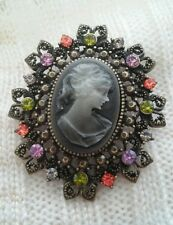 Vintage Style Victorian Lady Oval Cameo Multi-Color Austrian Crystal Brooch Pin