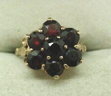 1970's grande de 9 quilates de oro siete Piedra Granate Cluster anillo