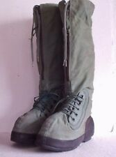 ARMY Combat EXTREME COLD WEATHER BOOTS size Medium Fits size 9 to 10