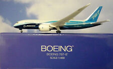 Hogan Wings 1:400 Boeing 787-8  Boeing House Color LI9628 + Herpa Wing Katalog