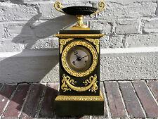 Magnifique pendule borne en bronze doré 2 patines style Empire / Restauration