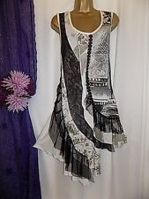 ALL PARADISE,WHITE AND BLACK TUNIC STYLE DIPPED HEMLINE DRESS,SIZE 18