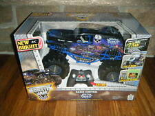 NEW BRIGHT SON UVA DIGGER GRAVE DIGGER 1:10 Scale RC Radio MONSTER Truck, HUGE!!