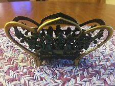 Decorative Brass Israel Jerusalem Grape Vine Napkin Holder Vintage No.752