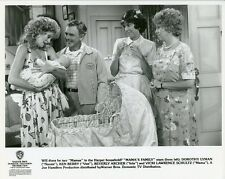 VICKI LAWRENCE BEVERLY ARCHER KEN BERRY AND BABY MAMA'S FAMILY 1989 NBC TV PHOTO