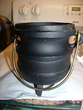 ANTIQUE CAST IRON (3) FOOTED CAMPFIRE POT/ GYPSY KETTLE CAULDRON POT