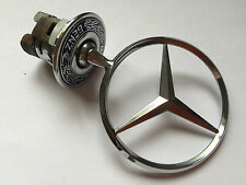 MERCEDES BONNET BADGE  (B27A)