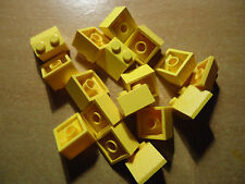 LEGO NEW 45. 2 x 2 YELLOW SLOPE x 17  PART 3039