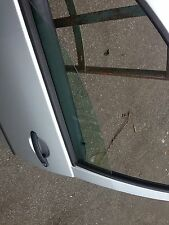 VW GOLF MK4 5DR 1.6 2002 NEARSIDE FRONT DOOR DROP GLASS WINDOW