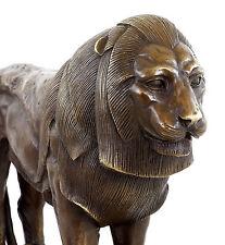Stolzer Bronze Löwe - Löwenskulptur - signiert Bugatti