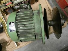 DAVI MOTOR NO. 71995 RPM: 1735 TIPO: 132R4 SEE PICTURES FOR DETAILS