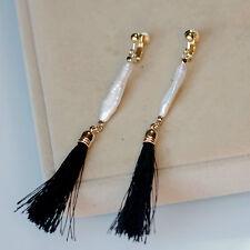 Boucles d`Oreilles Clip Doré Perle de Culture Long Baroque Pompon Noir Tissu B11