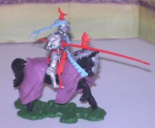 BRITAINS SWOPPET MOUNTED KNIGHT CHARGING WHITE ROSE COMPLETE  EXCELLENT
