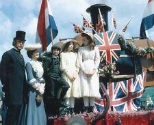 Dinah Sheridan & Sally Thomsett UNSIGNED photo - P2503 - The Railway Children