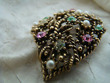 VINTAGE SIGNED CORO PASTEL RHINESTONE AND PEARL GOLD TONE FLORAL BROOCH