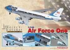 Dragon Wings Air Force One - Boeing VC-25A (747-200B) 1/144~DRP47010