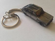 Renault 16 ref206 FULL CAR on a snake keyring