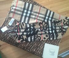 Burberry Classic Cashmere Scarf in Check and Flowers