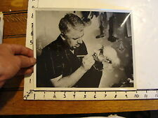 Vintage FAMOUS PUPPETEERS MARIONETTE PHOTO: lesselli marionettes  carving