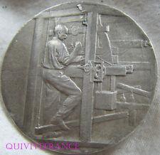 MED4821 - MEDAILLE TISSUS & MATIERES TEXTILES 1934 par RIVET - en Argent