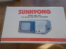 "Vtg 1987 Boxed SUNKYONG Model SMT-700 3.5"" B/W Television TV Original Box MINT"