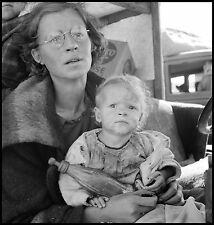 Masters of Photography: Mother and Baby on Road: Dorothea Lange: Digital Photo