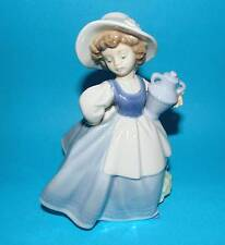 Nao by Lladro ornament Figurine 'Country Maiden' girl with urn1st Quality (MD15)