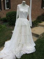 VINTAGE R & K bridal STUNNING WEDDING DRESS, must see , lacey and gorgeous