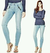 �� GUESS LETITIA MID-RISE SKINNY JEANS IN PALETTE DESTROY WASH ��