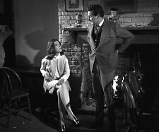 Patrick MacNee and Diana Rigg UNSIGNED photo - 428 - The Avengers