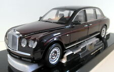 Minichamps 1/18 Scale diecast - 100 139700 Bentley State Limousine 2002 Faulty