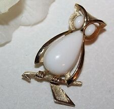 LOVELY CROWN TRIFARI SIGNED LUCITE OWL PIN - STUNNING WITH NO WEAR!!!!