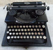 Vintage 1930s Royal Typewriter Portable Model 'P' in Original Case