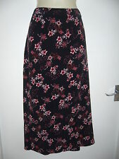 F&F SKIRT SIZE 20 BLACK WHITE PINK RED FLOWERS *EXCELLENT CONDITION*