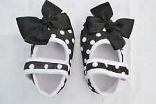 Black baby shoes with polka & bow design size 3-6 months (11 cm)
