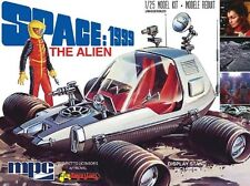MPC Model Kits [MPC] 1:25 Space 1999: The Alien Moon Rover Model Kit MPC795