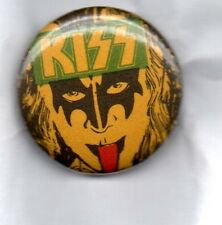 KISS -  BUTTON BADGE AMERICAN HARD ROCK / METAL GLAM ROCK - GENE SIMMONS 25mm