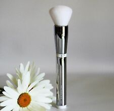 IT COSMETICS Heavenly Skin CC+ Skin Perfecting Brush #702
