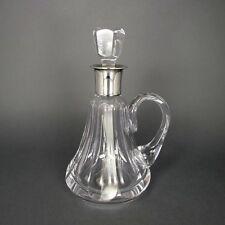 Kleine Karaffe in Kristallglas mit Silberfassung