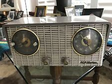 RCA Victor Clock Radio Model# 4-C-671 Works 1950's