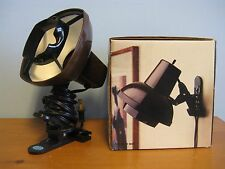 LEDU CLIP-IT 60 WATT ADJUSTABLE CHOCOLATE HOME SCOOL OFFICE HANG CLIP-ON LAMP